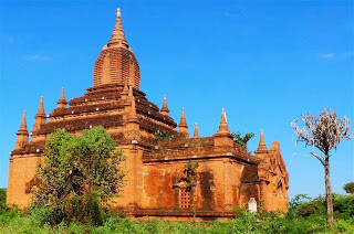 One of the many Bagan Temples