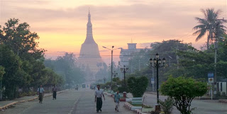 Dawn at Shwemadaw Paya