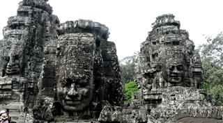 Bayon-three-faces
