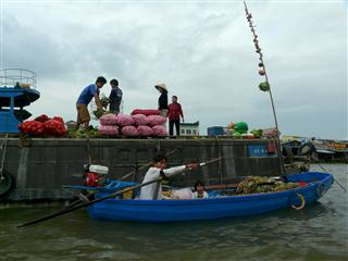 Cai_Rang_Floating_Market_9