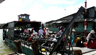 Ferry_to_An_Thanh