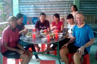 Lunch_at_Nghais