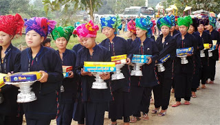 Village Parade- Gift Bearers