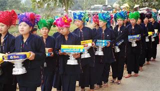Village Parade- Gift Bearers