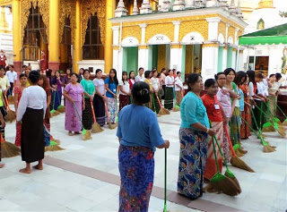 Ritual Sweeping At Schwedagon Paya