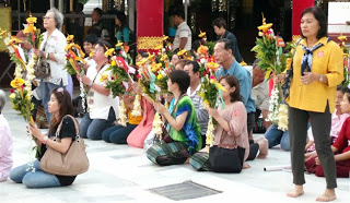 Saying Prayers At Schwedagon Paya
