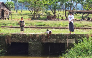 Boys fishing at Thaton