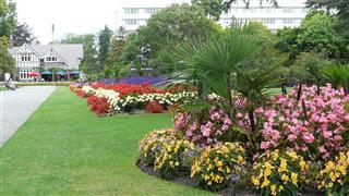 hurch Botanic Gardens