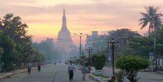 Dawn at Shwemadaw Paya