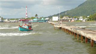 Jetty_out_to_Ferry