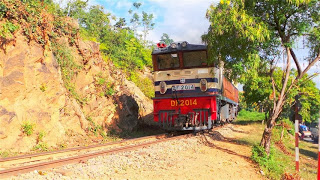The slow train to Thazi