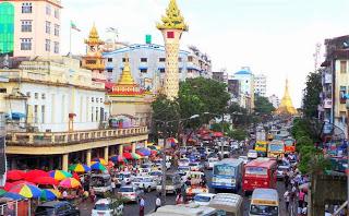 Yangon_Mahabandoolah_Street